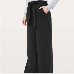 Lululemon Noir Pants size 6